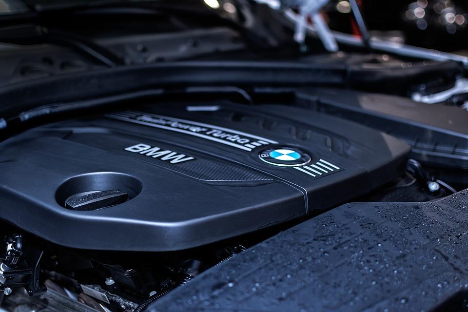 Zrób to sam: Sprawdź model silnika w samochodzie