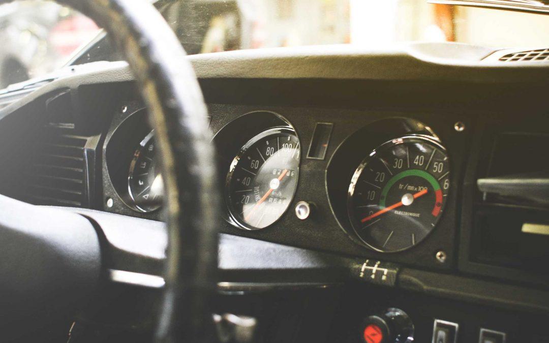 Spaliny wyczuwalne w kabinie samochodowej. Co to oznacza?