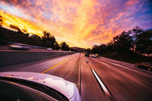 Spaliny samochodowe a samochody hybrydowe